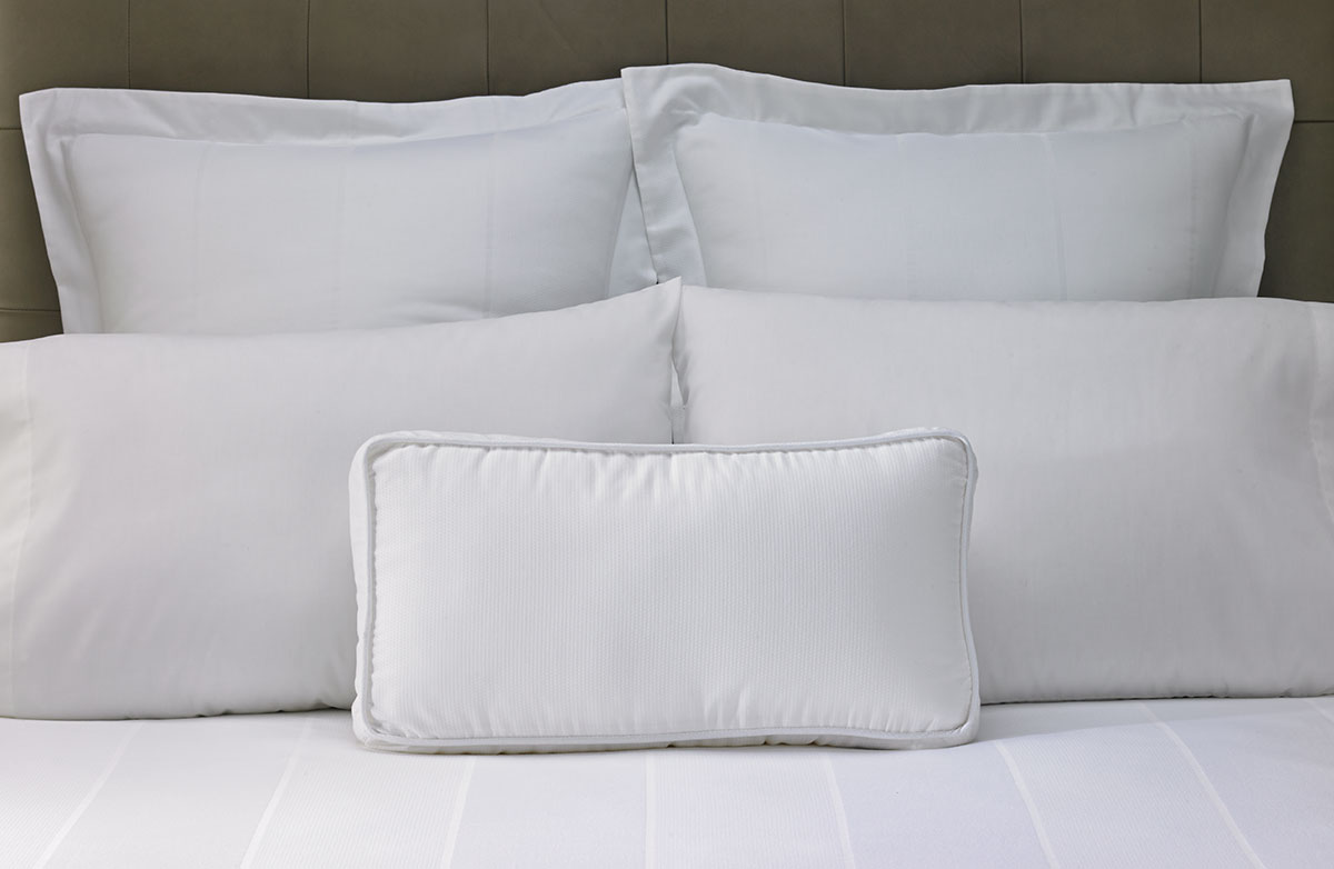 buy luxury hotel bedding from marriott hotels birdu0027s eye accent pillow